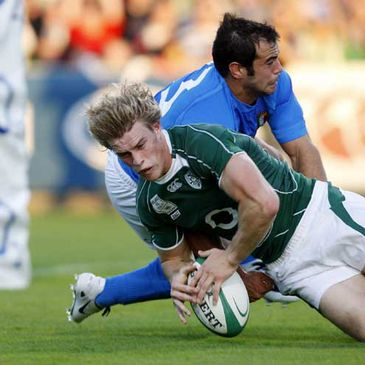 Andrew Trimble scoring against Italy at Ravenhill last August