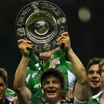 Brian O'Driscoll raises the Triple Crown aloft