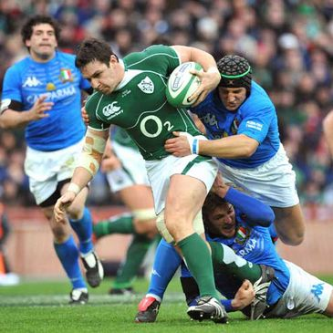 Ireland's David Wallace in action against Italy